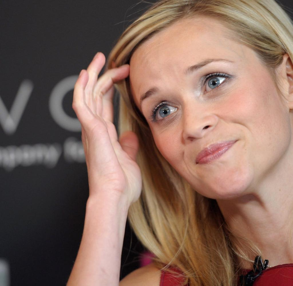 Reese Witherspoon Barfuß foto 2